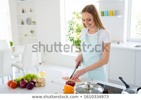 Stock fotó: Fiatal · nő · vág · tyúk · konyha · vacsora · fehér