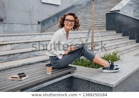 aanbiddelijk · meisje · permanente · palmboom · vrouw · gezondheid - stockfoto © dash