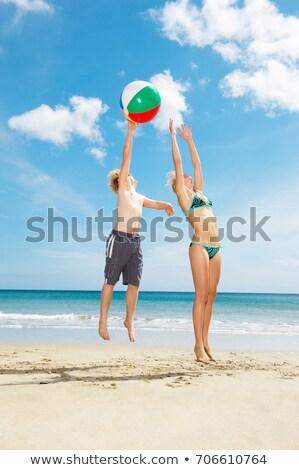 couple · plage · jouer · balle · rendu · élevé - photo stock © is2
