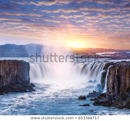 Kanion wodospad na zewnątrz czasu górskich Zdjęcia stock © lovleah