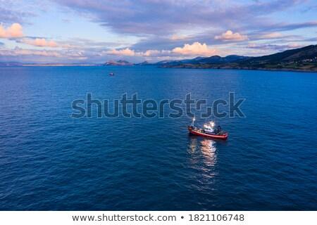 лодках · порт · облачный · воды · морем · океана - Сток-фото © prill