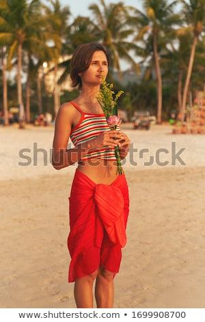 美人 · 赤いドレス · 海岸 · ヨット · 女性 · 水 - ストックフォト © acidgrey