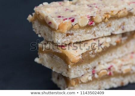 ruw · veganistisch · cake · plakje · gesneden · houten - stockfoto © blanaru