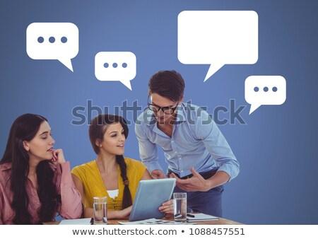 Insanlar tablet büyük duyuru boş sohbet Stok fotoğraf © wavebreak_media