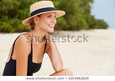 Portret mooie vrouw strand dag tijd vrouw Stockfoto © Lopolo