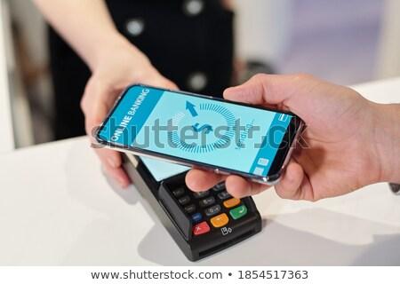 Handen jonge mobiele man smartphone betaling Stockfoto © pressmaster