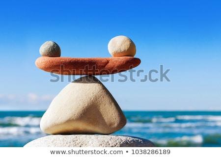 Equilibrio rojo hombre mujer escalas nina Foto stock © timbrk