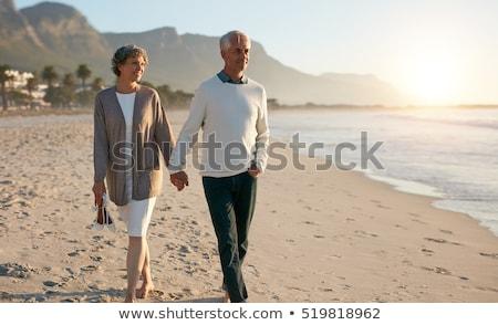 Portret pary spaceru strony plaży Zdjęcia stock © vichie81