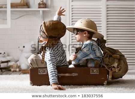 pequeno · menino · piloto · óculos · viajar - foto stock © dmitriisimakov