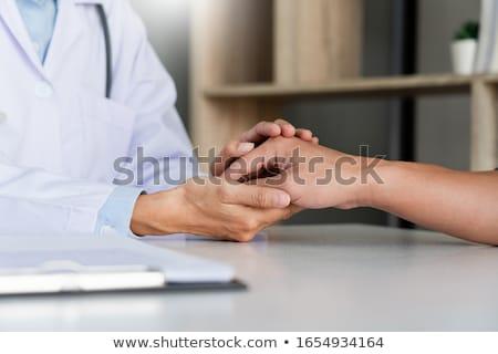 saúde · médico · paciente · escuta · feminino · médico - foto stock © Freedomz