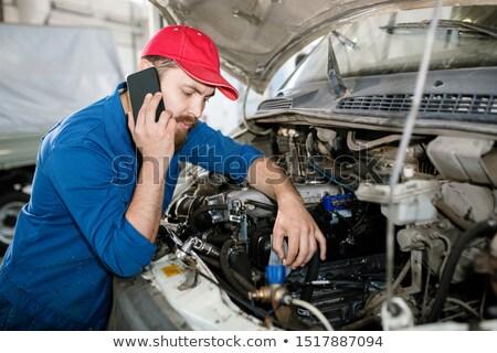 Maestro tecnica servizio smartphone consulenza uno Foto d'archivio © pressmaster