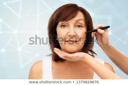 シニア 女性 手 化粧品 マーカー 美 ストックフォト © dolgachov