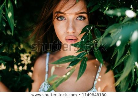 vrouwelijke · model · lang · haar · verbazingwekkend · sensueel · meisje - stockfoto © konradbak