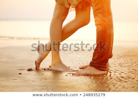 férfi · nő · karok · tenger · naplemente · tengerpart - stock fotó © nejron