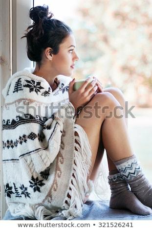 Kız sarışın kadın izlerken Stok fotoğraf © Dave_pot
