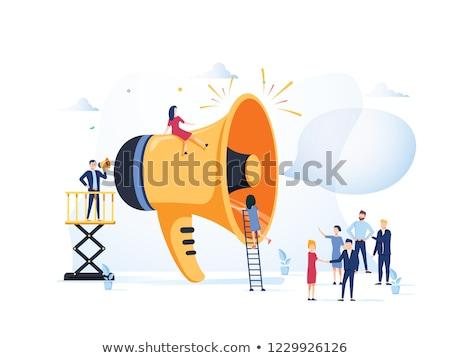 anunciante · imagen · exitoso · masculina · senalando · papel · en · blanco - foto stock © pressmaster