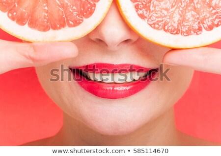 femme · regarder · cuillère · manger · cuisine · boire - photo stock © is2