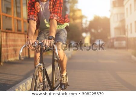 fiatalember · lovaglás · bicikli · kaukázusi · férfi · park - stock fotó © genestro
