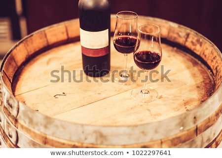 Verres ruby port vin table Photo stock © neirfy