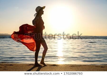 mooie · jonge · meisje · hoed · strand · zonsondergang - stockfoto © koca777
