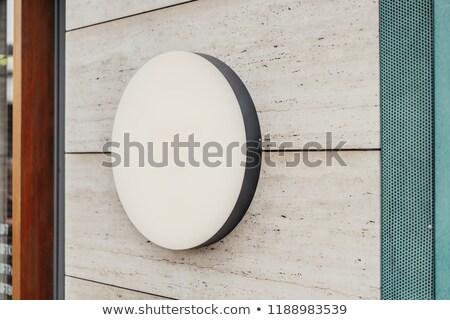 Signo fuera tienda fachada alto Foto stock © albund