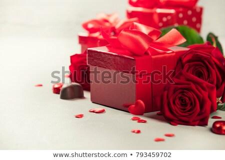 kırmızı · gül · çikolata · şeker · gül · doğa · güzellik - stok fotoğraf © Anna_Om