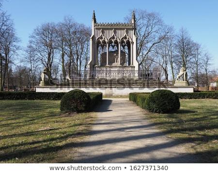 Mausoleum leeuw standbeeld dier graf Polen Stockfoto © FER737NG