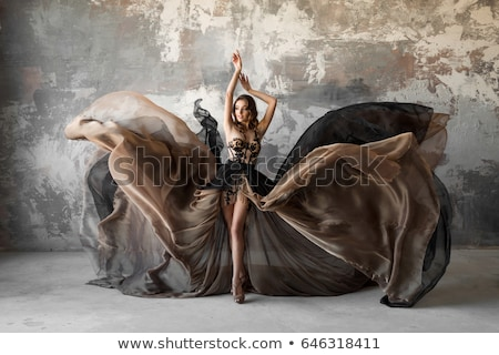 mosolyog · lány · szürke · ruha · csinos · pózol - stock fotó © feelphotoart