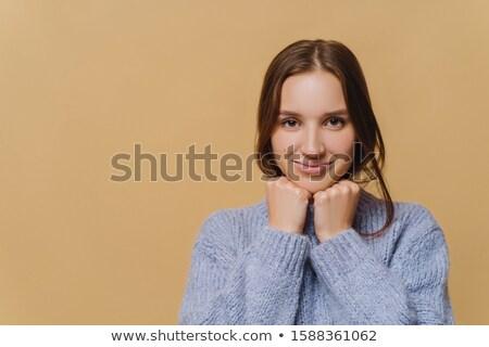 Jovem europeu mulher mínimo make-up cabelo escuro Foto stock © vkstudio