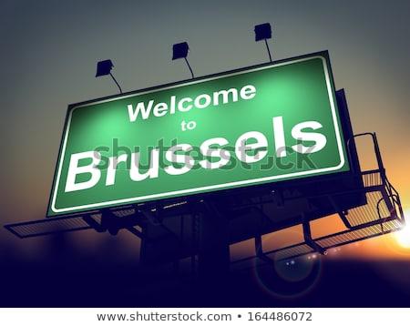 Quadro de avisos bem-vindo Bruxelas nascer do sol verde Foto stock © tashatuvango