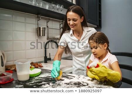 матери спрей дочь волос кухне семьи Сток-фото © Lopolo