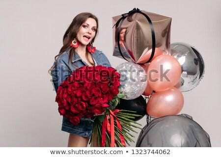 meglepődött · nő · tart · virágcsokor · fiatal · nő · rózsaszín - stock fotó © studiolucky