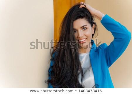 Foto goed kijken brunette dame zacht glimlach Stockfoto © vkstudio