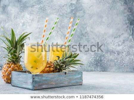 Twee bril ananas sap stukken vers fruit Stockfoto © Alex9500