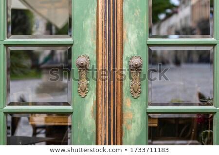 gyönyörű · régi · ház · bejárat · fa · lépcsőház · ház - stock fotó © taviphoto