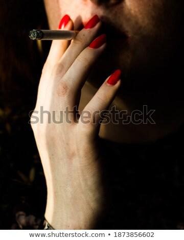 Rood sigaret rijpe vrouw roken vrouw Stockfoto © winterling