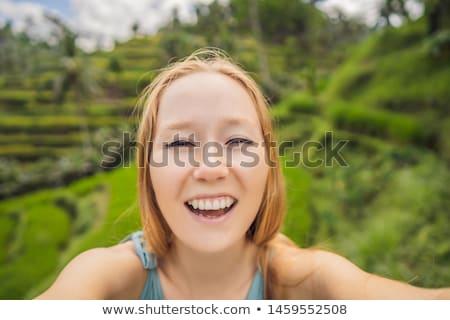 Belo morena indiano mulher verde arroz Foto stock © lunamarina