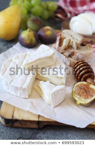 Сток-фото: хлеб · Сыр · из · козьего · молока · свежие · инжир · фон