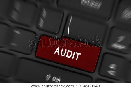 監査 文字 赤 キーボード ボタン 金融 ストックフォト © michaklootwijk