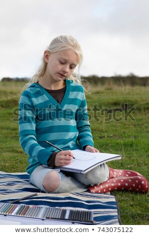 Fiatal lány domboldal lány fű természet gyermek Stock fotó © IS2