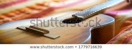 jong · meisje · hoofdtelefoon · luisteren · muziek · Rood · haren - stockfoto © fisher