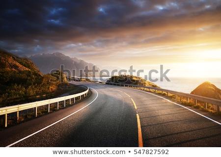 ストックフォト: 秋 · 風景 · 山 · 道路 · 午前 · 霧