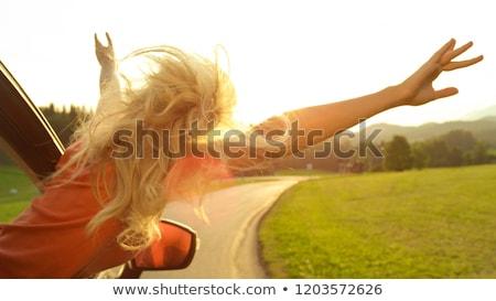 nő · utazó · vezetés · autó · közelkép · modern - stock fotó © andreypopov