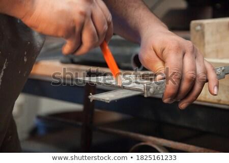 Aprendiz peça madeira edifício homem construção Foto stock © photography33
