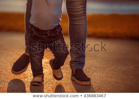 Neonati piedi help crescita sorpresa sfondo bianco Foto d'archivio © IS2