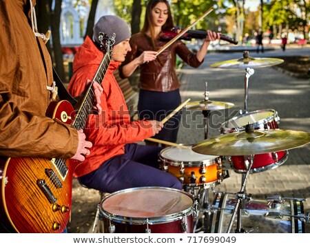 personas · jugando · música · jardín · ilustración · guitarra - foto stock © colematt