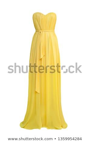 Фото брюнетки в вечерних платьев