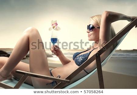 Foto d'archivio: Ritratto · rilassante · donna · sabbia · spiaggia · cielo