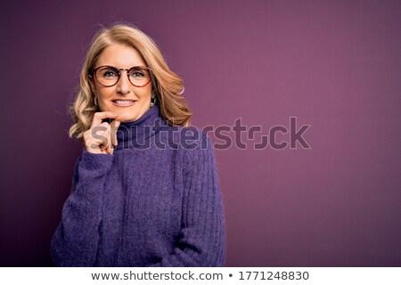 Ernstig gewapend vrouw winter schieten bos Stockfoto © acidgrey