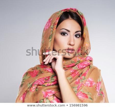 Piękna brunetka zasłona kobieta dziewczyna moda Zdjęcia stock © gsermek